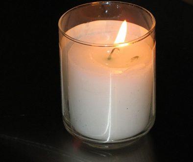 800px-Yahrtzeit_candle Yahrtzeit