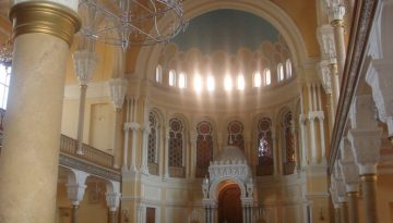 Synagogue StPersburgInt public domain
